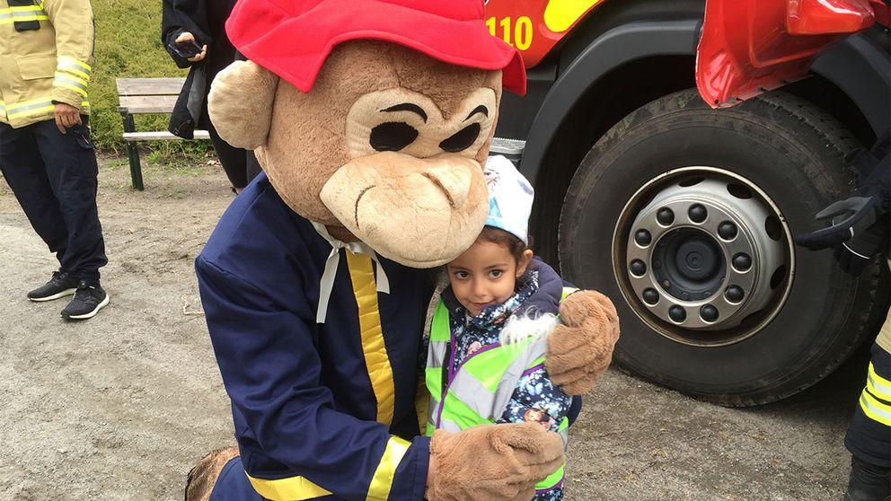 Räddningstjänstens maskot Flammy