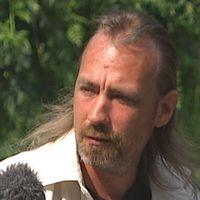 Patrik Skog, pappa till femårige Kevin som mördades i Arvika 1998 För den mördade fyraårige Kevin Hjalmarssons familj har granskningen av mordutredningen inneburit att tillvaron återigen vänts upp och ned. Nu är det viktigaste av allt att få veta sanningen om vad som hände Kevin.