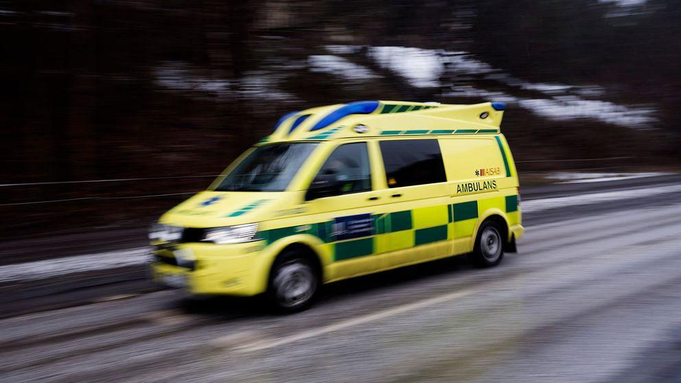 Ambulans rycker ut.