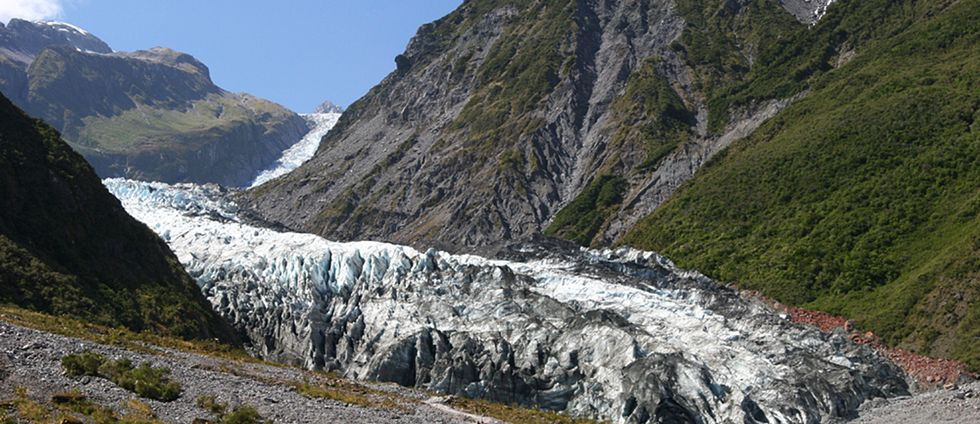 Mannen försvann i närheten av Fox Glacier i centrala Nya Zeeland.