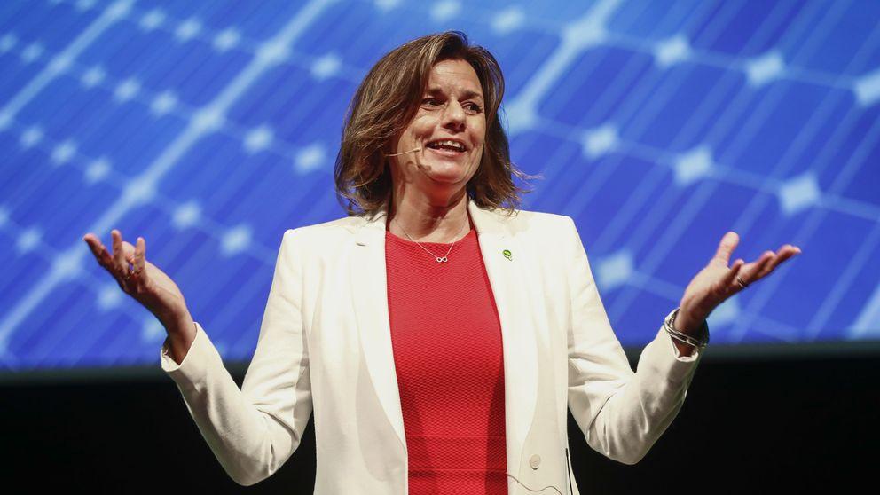 Miljöpartiets språkrör Isabella Lövin invignigstalar på partiets kongress i Linköping.