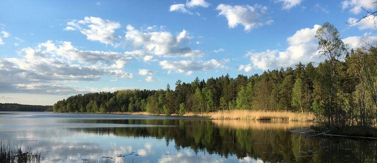 Vacker försommardag i Järfälla utanför Stockholm den 24 maj.
