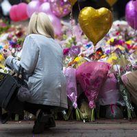 St Ann's Square i Manchester har blivit en minnesplats för offren.