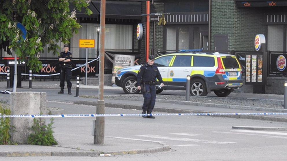 Skottlossning i Årsta.