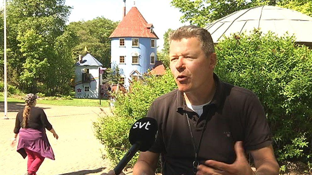 Tomi Lohikoski, vd för Muminvärlden i Finland.