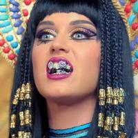 Från musikvideon till Dark Horse, Katy Perry klädd som Kleopatra.