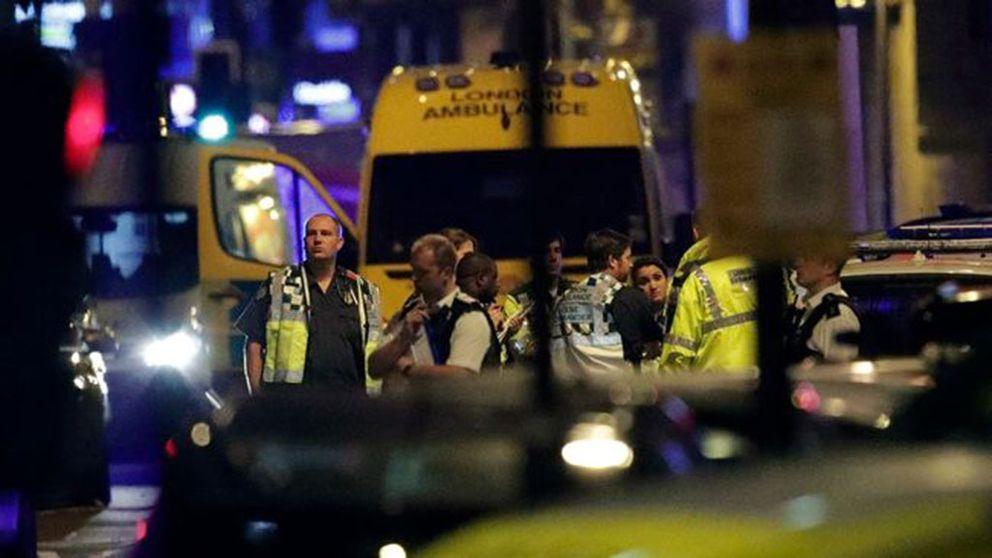 En dödad av skåpbil i London