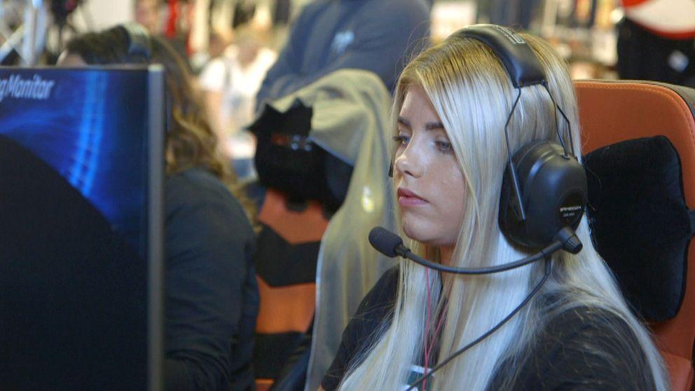 Counterstrike-spelare under ESU Masters Female Tournament på Dreamhack Summer 2017.