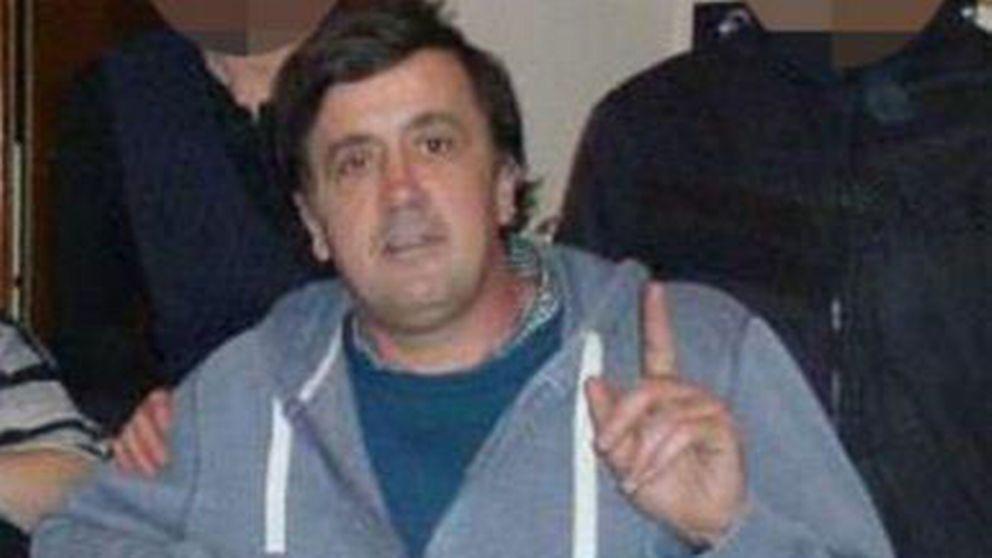 Den 47-årige mannen misstänks för terrordåd efter att ha kört in i människor utanför en moské.