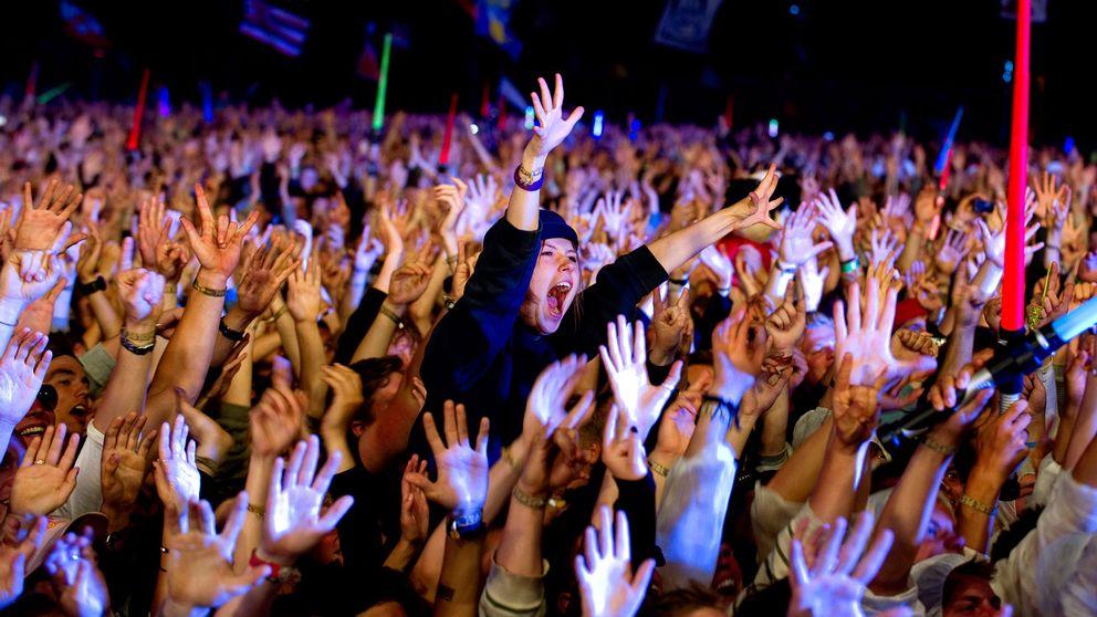 Ett publikhav på Roskildefestivalen 2010.