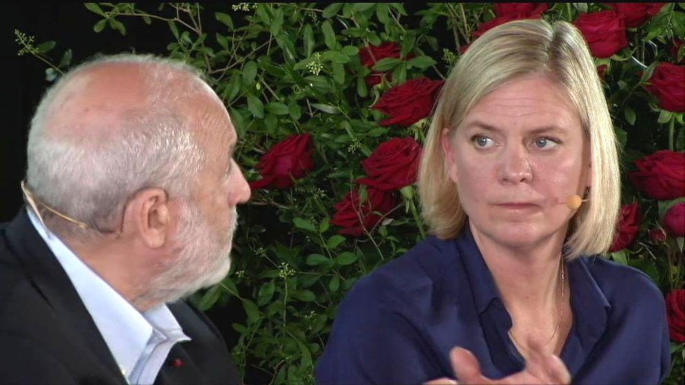 Nobelpristagaren Joseph Stiglitz och finansminister Magdalena Andersson (S) under Socialdemokraternas ekonomiska seminarium