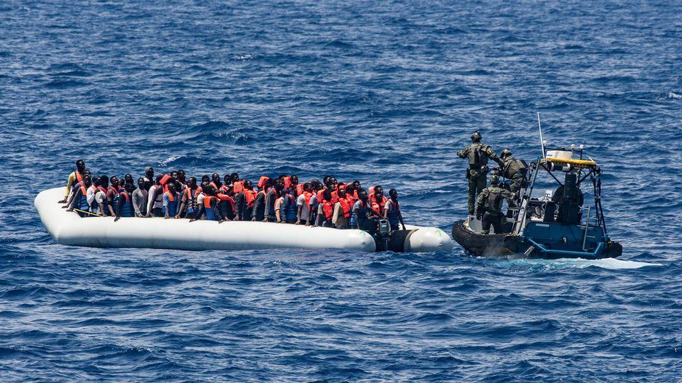 Svenska kustbevakningen deltar i sjöräddningsinsats i södra Medelhavet.