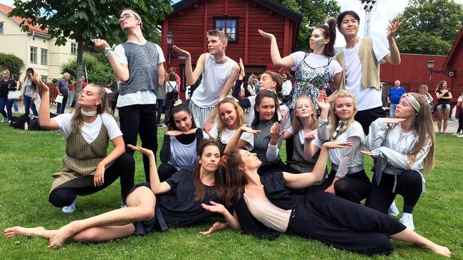 Unga får prova på dans som yrke SVT Nyheter