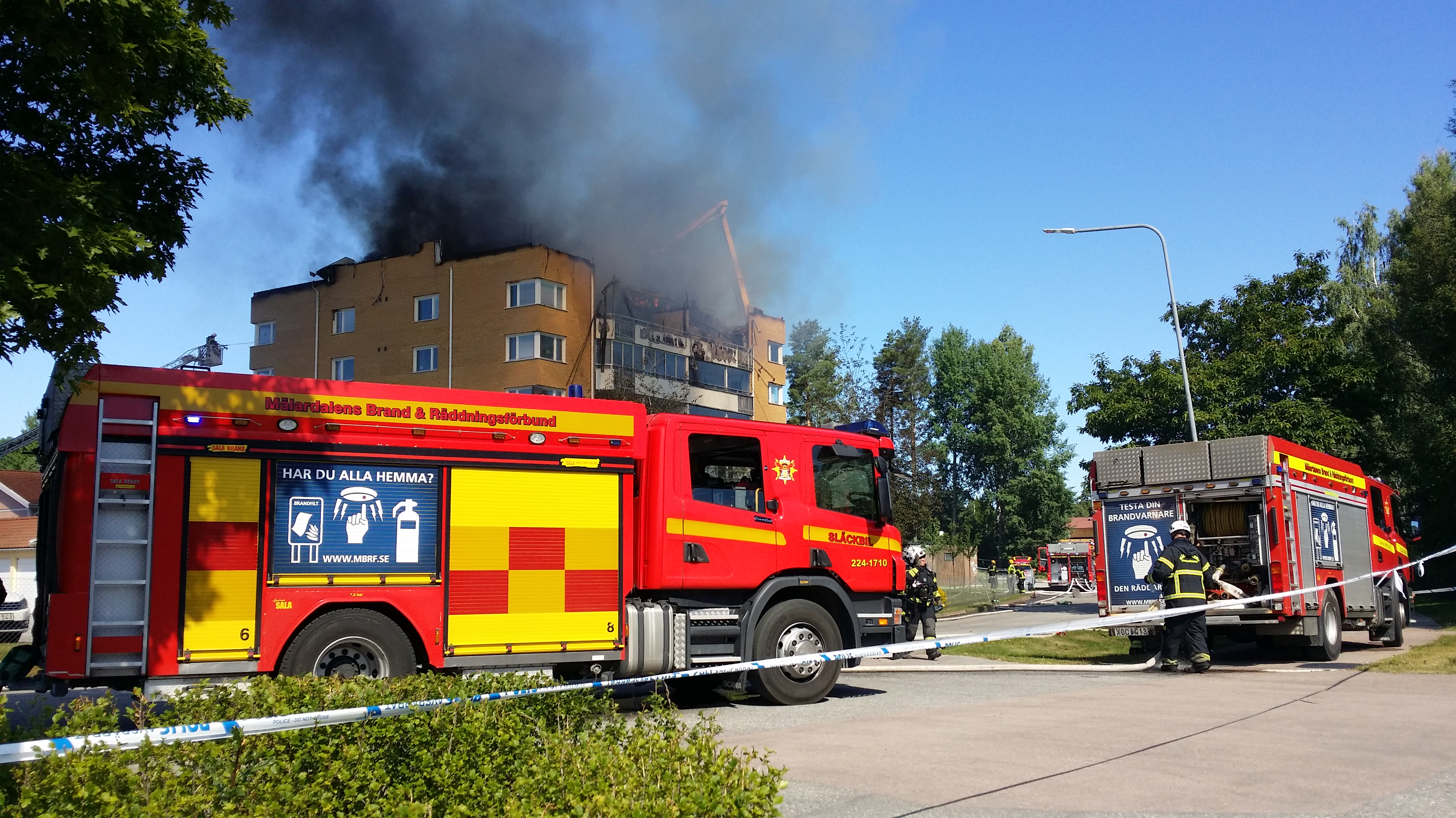 Raddningstjanst angreps vid brand