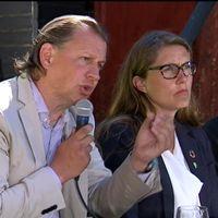 Stina Oscarson, regissör och Carl Schlyter (MP), riksdagsledamot.