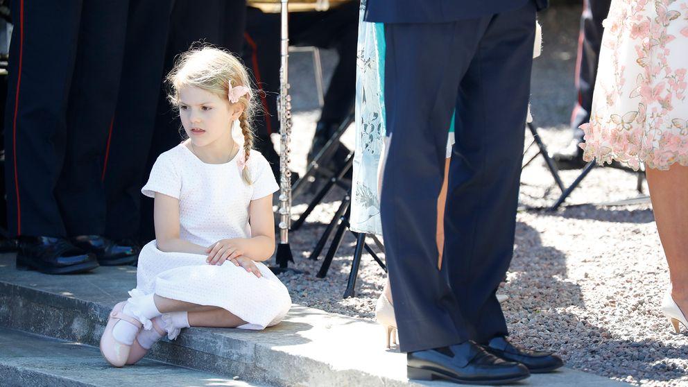 Kronprinsessan Victoria och prins Daniel och prinsessan Estelle.