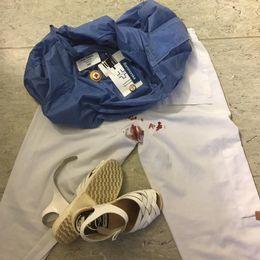 Så här såg det ut när Petra Vinberg Linder gick av sitt arbetspass i fredags morse på förlossningsavdelningen på SÖS. De vita byxorna var fläckiga av mensblodet.