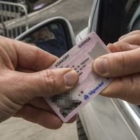 Hela det svenska registret över körkort, inklusive bilder, har hamnat i orätta händer i utlandet.