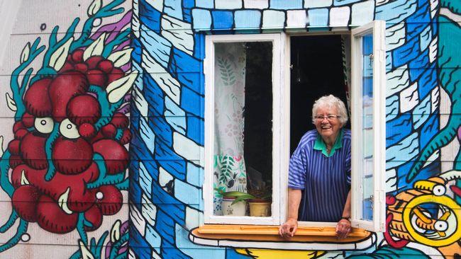 80 års present kvinna Hon gav draktorn till sig själv i 80 årspresent | SVT Nyheter 80 års present kvinna