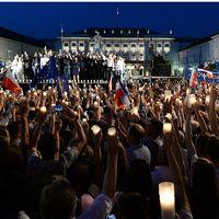 Protester i Polen mot kontorversiella lagförslag.