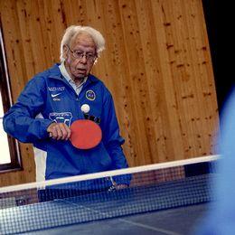 Olle började spela bordtennis när han fyllde 90.