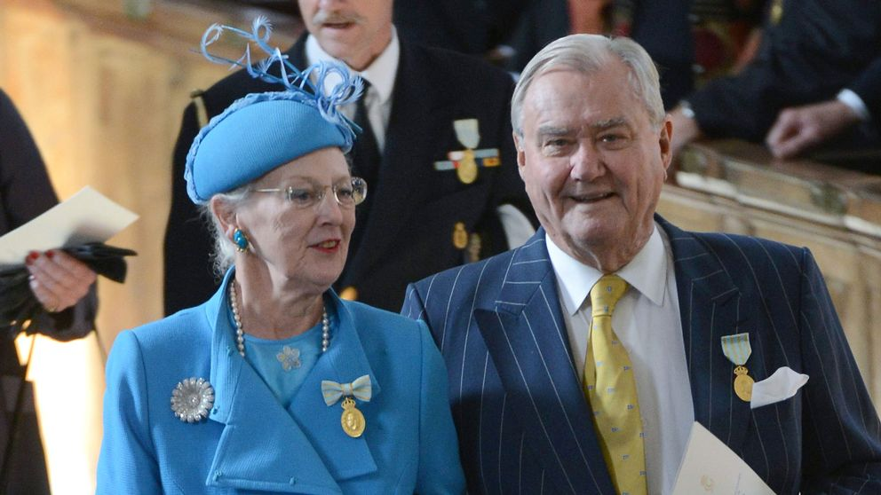 Prins Henrik tillsammans med drottning Margrethe i Stockholm 2013, för att högtidlighålla svenske kung Carl XVI Gustafs 40 år på tronen.