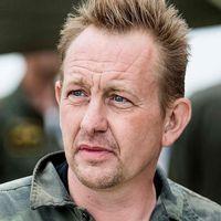 Ubåtsägaren Peter Madsen har häktats misstänkt för vållande till annans död, angående den svenska kvinnan.