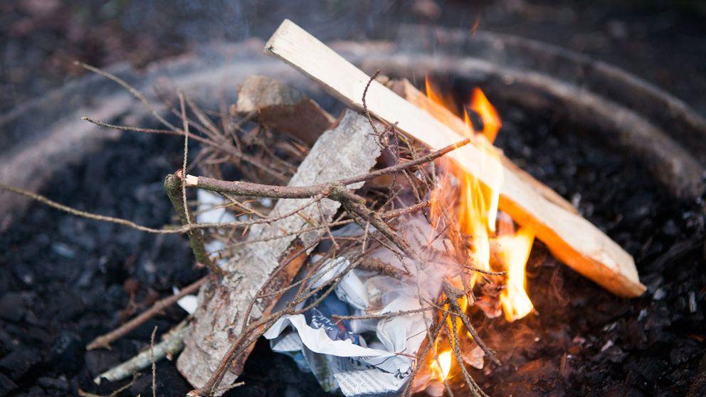 liten eld på grillplats