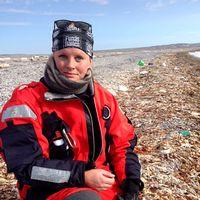 Jennie Olsson Qvist har plockat skräp på många platser i världen. Här Svalbard och Koh Samui, Thailand.