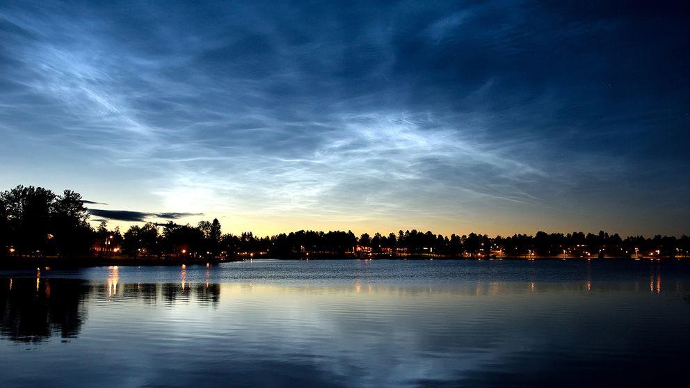 Se upp – nu kan du se lysande moln