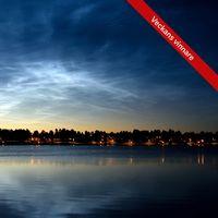 Nattlysande moln över Nyborgstjärn, centrala Arvidsjaur. 22.45 13/8.