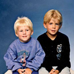Bröderna som anklagades i Kevinfallet när de var små och ett träd med Kevins namn inristat.