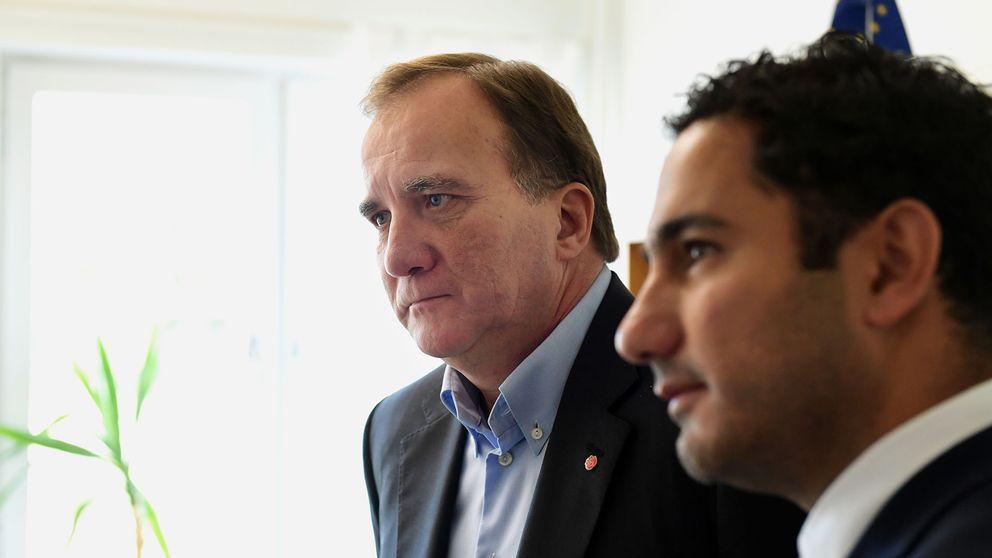 statsminister Stefan Löfven (S) och civilminister Ardalan Shekarabi (S) vid en pågående presskonferens i Katrineholm.