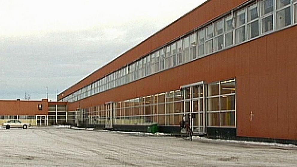 Den 46 år gamla Gudlav Bilderskolan i Sollefteå är i stort behov av renovering. Det är sammanlagt tre olika fastigheter som ska renoveras och byggas om. 2020 kan det vara klart