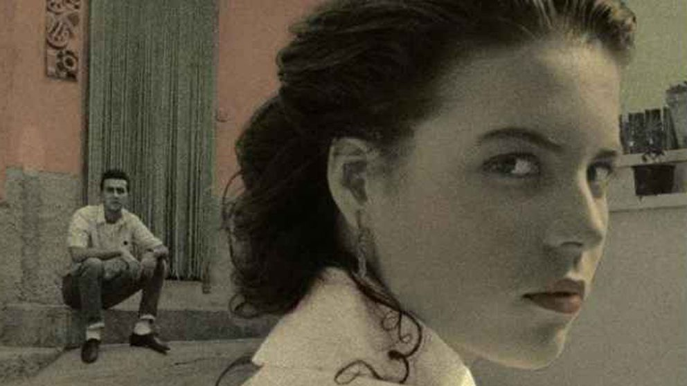 "Omslagsbild till Elena Ferrantes ""Hennes nya namn"""