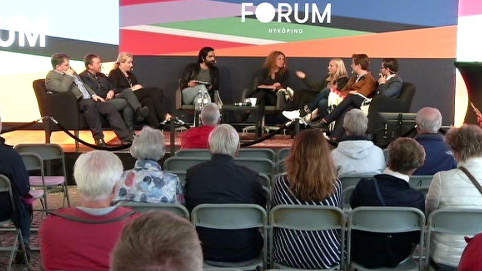 Panel diskuterar under Forum Nyköping.