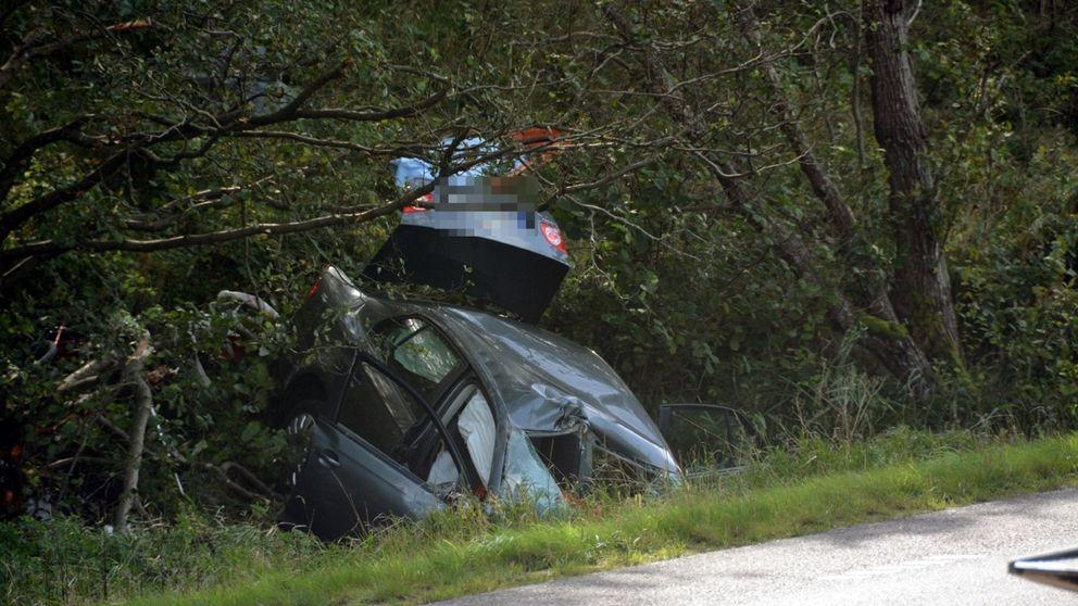 En personbil körde av vägen på Tjörn