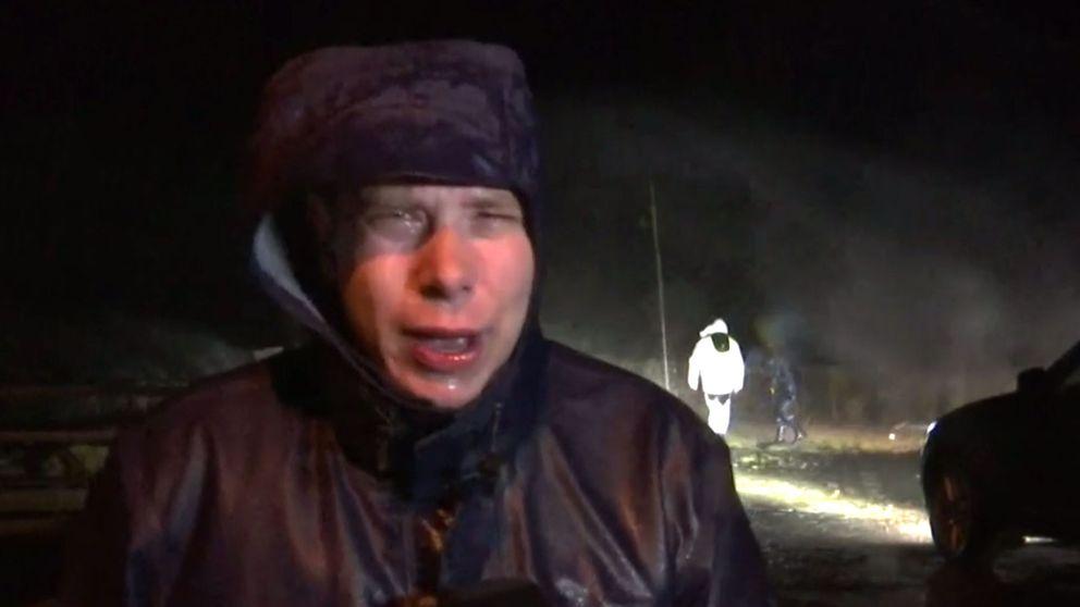 SVT:s reporter Mikael Nilsson har svårt att hålla sig på benen i Trelleborgs hamn