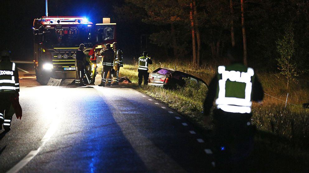 En man avled i en singelolycka på länsväg 173 i Frändefors.