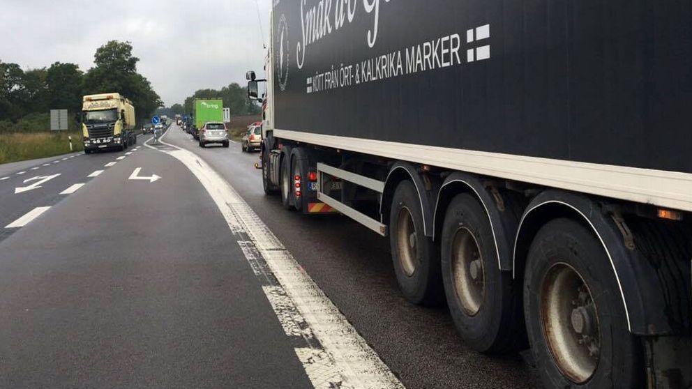 Trafikstörningar efter krock på E22