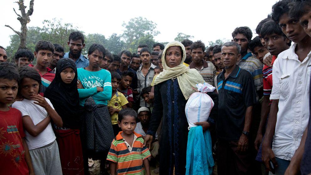 Ambya Khatoon kom med sin son igår till Cox Bazaar och hade turen att få en påse mat, men det som plågar henne är saknaden av hennes dotter.