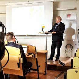 Försvarsminister Peter Hultqvist (S) presenterar delar av budgetpropositionen
