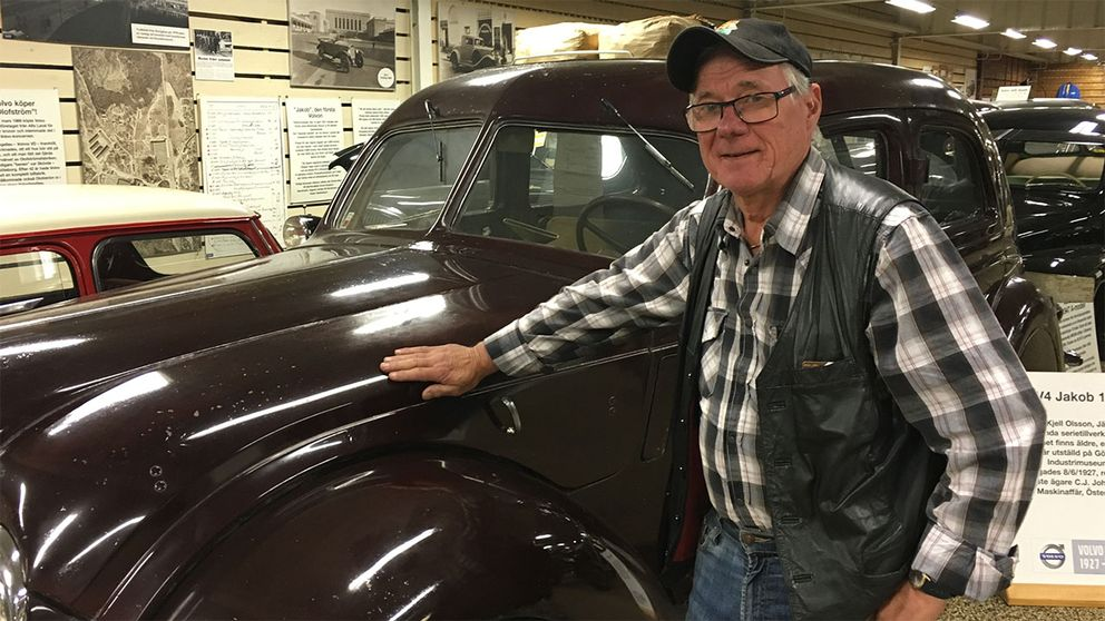 Kjell Olsson, 71, har samlat veteranfordon i ett halvt sekel.
