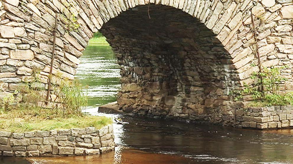 Om bron blir byggnadsminne står klart till våren