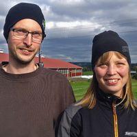 Maria och Roger Altbäck framför Länsgården i Ede