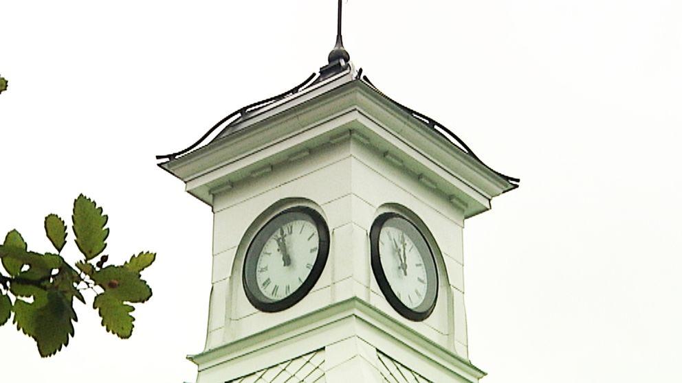 Klockan renoverades 2004 och beräknas kunna hålla länge till
