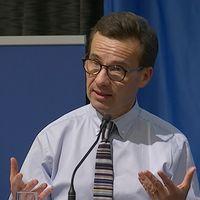 Moderatledaren Ulf Kristersson i talarstolen
