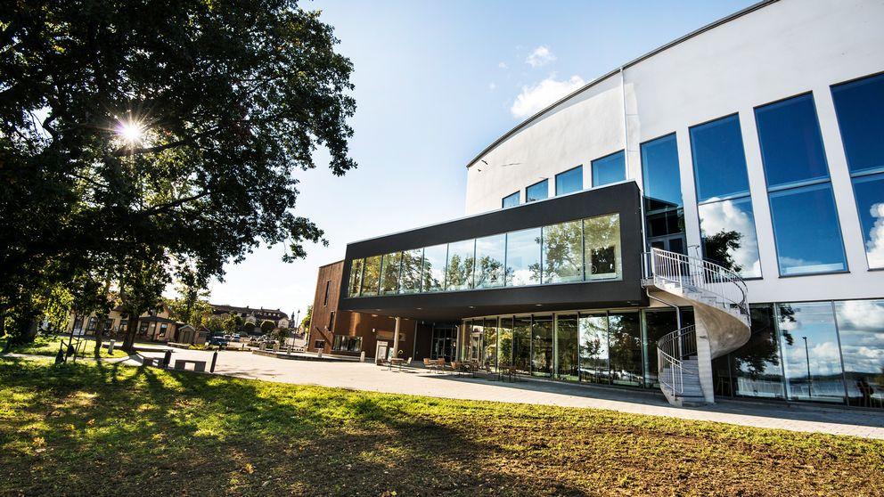 Sjöängen i Askersund är en av investeringarna som har kostat stora summor för kommunen.