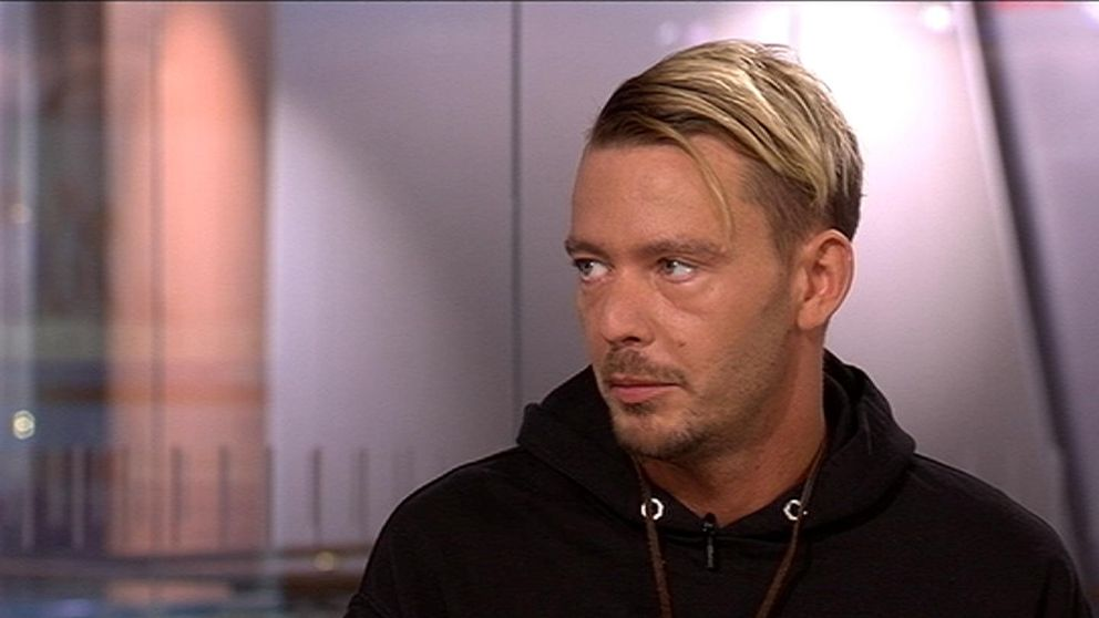 """Joakim Lundell berättar om boken """"Monster"""""""
