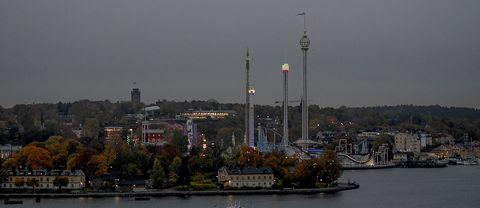 Mörk vy över centrala Stockholm på tisdagsmorgon.
